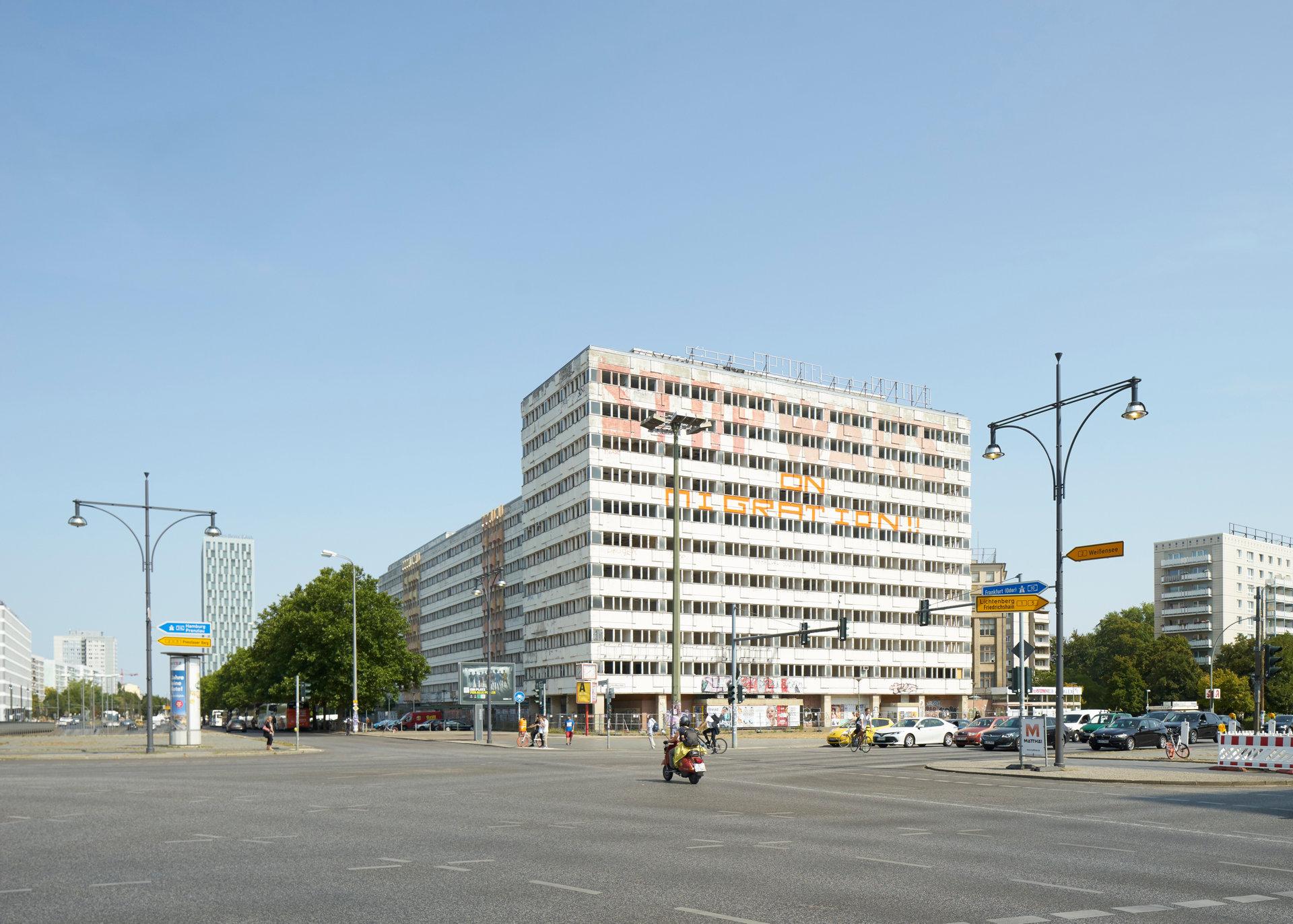das Haus der Statistik, Blick vom Alexanderplatz (Foto: Nils Koenning)